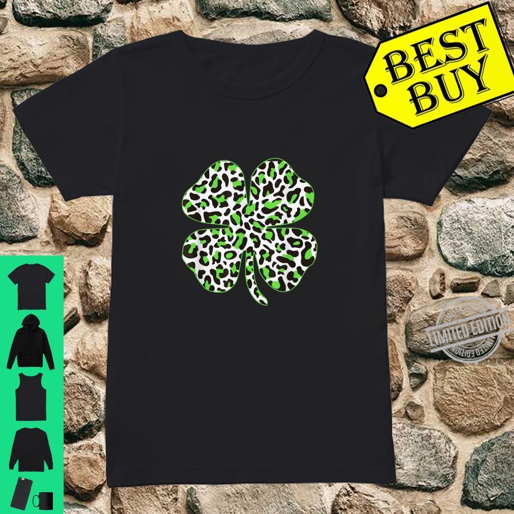 Cute Shamrock Leopard Print St Patricks Day Irish Pattern T-Shirt